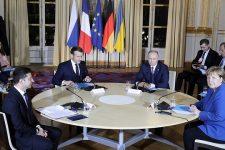 Зеленський обговорив із Путіним новий нормандський саміт та обмін