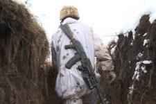 Стріляють прямо з будинків: загострення на Луганському напрямку