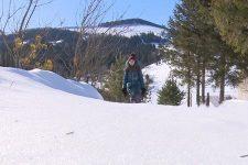 10 км через горы, лес и снега: как дети ходят в школу на Верховинщине