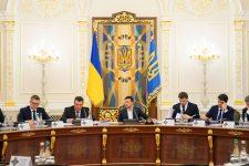РНБО передала президенту Стратегію нацбезпеки і оборони