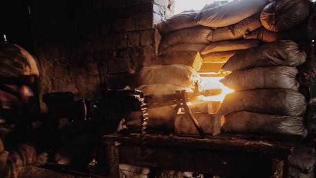 Обострение на Донбассе: почему боевики пошли в наступление и как действовать Украине