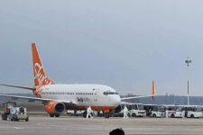 В Борисполе сел самолет с эвакуированными из Китая украинцами