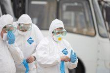 Зразки з носа. Як перевірятимуть евакуйованих українців на корона вірус