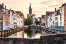 Площа Гроте Маркт та вежа Белфорт – куди піти та що подивитись у Брюгге