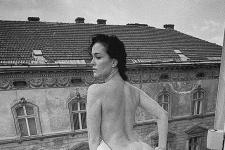 Астафьева обнажила ягодицы на одном из львовских балконов (18+)