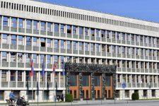 Уряд Словаччини на межі розпаду через закупівлю російської вакцини