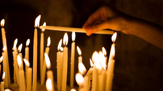 церква свічки