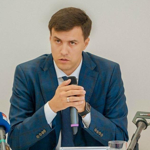 Уряд має негайно вирішити проблему виплат безробітним – Віталій Нестор