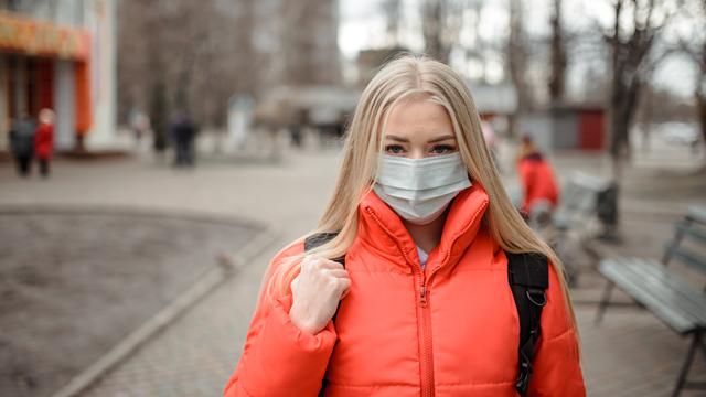 Походження вірусу та затримка вакцинації в Україні: головні Covid-новини 19 лютого