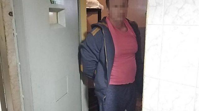 Поліція затримала чоловіка, який напав на журналістів у Києві
