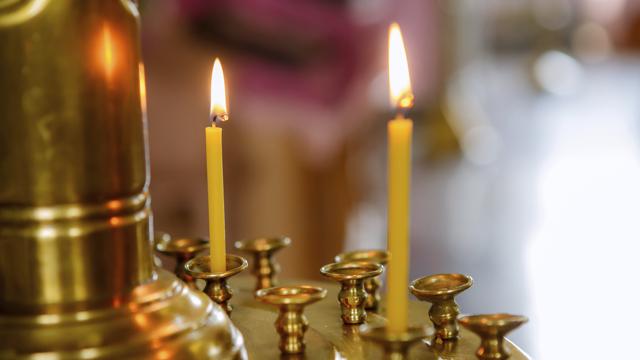 церква свічки свято