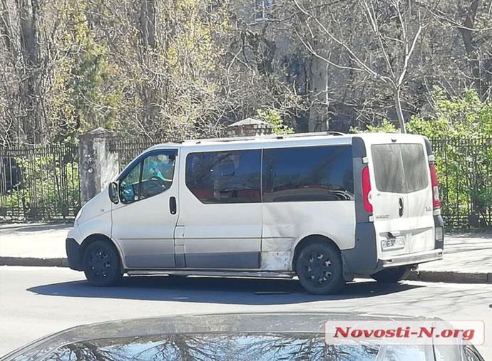 У Миколаєві в ДТП портапив легковик та мікроавтобус з журналістами
