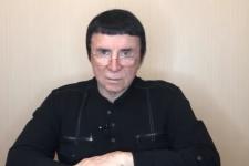 """Змінилася стать, виросло три ноги: Кашпіровського тролять за """"оздоровчі сеанси"""""""
