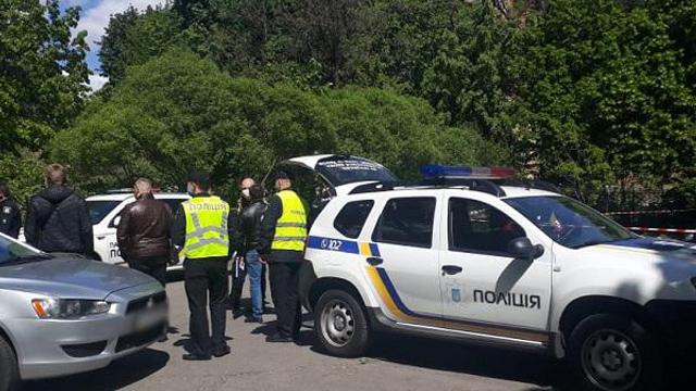 У Києві біля одного з храмів сталася стрілянина – поранений чоловік