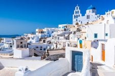 Кордони Греції залишаються закритими для українських туристів – посольство