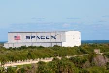 Майже за 1 хв до старту: SpaceX скасувала запуск Falcon 9 зі супутниками Starlink