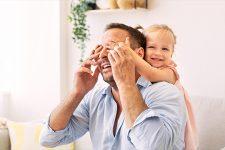 День батька: найкращі привітання в листівках та СМС