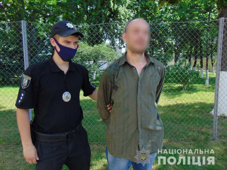 Евакуювали всіх жителів: у Києві чоловік хотів підірвати багатоповерхівку