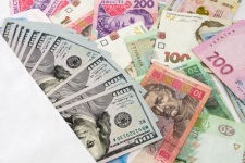Нацбанк укрепил гривну: курс валют на 22 октября