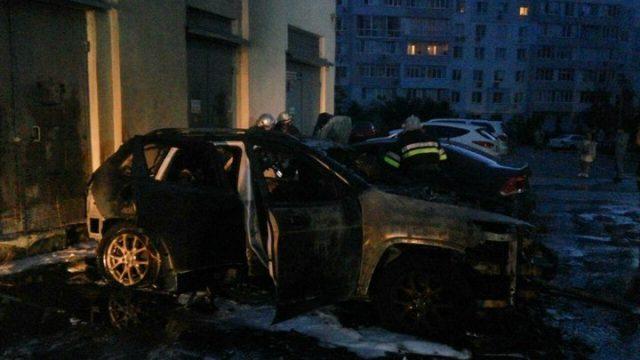 Помста через скандал: в Харкові спалили авто відомого блогера
