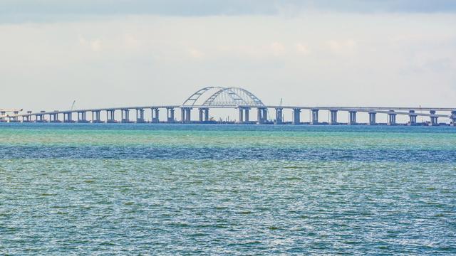 За будівництво Керченського мосту: Австралія ввела санкції проти Росії