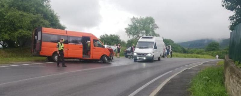 ДТП на трасі Київ-Чоп - 11 постраждалих