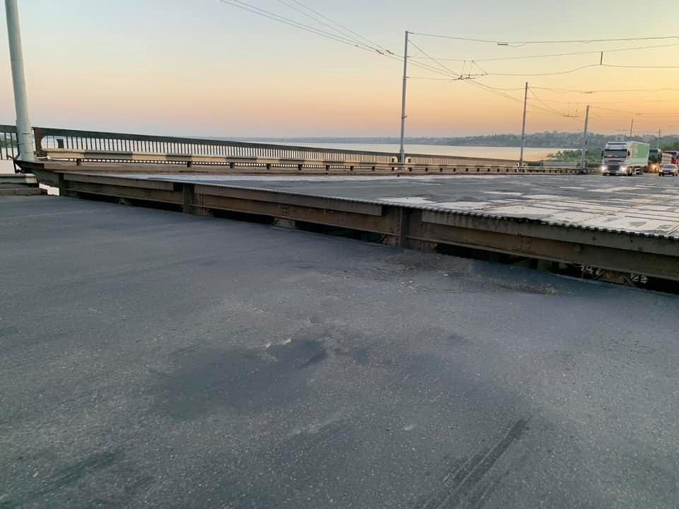 У Миколаєві самовільно піднялася розвідна частина Інгульського мосту