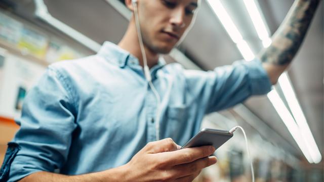 4G запрацював на дев'яти станціях метро у Києві - список