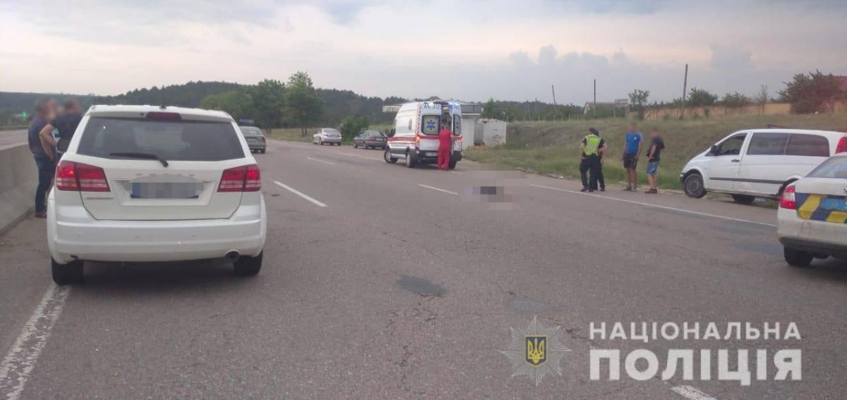 Під Одесою водій Dodge на смерть збив дівчинку на пішохідному переході