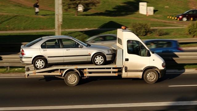 """Авто зі США: чому""""битки"""" можуть заборонити та чи безпечні такі машини"""