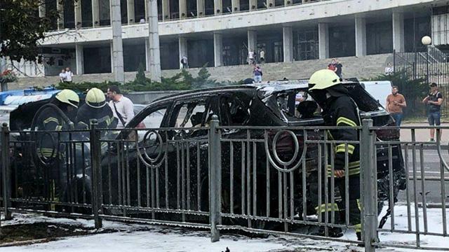 У центрі Києва вибухнув автомобіль