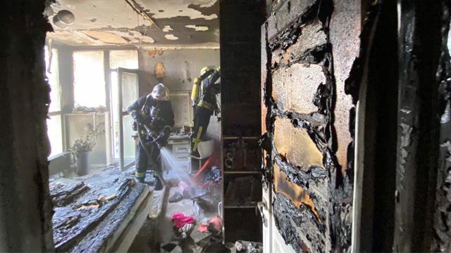 Намагалася загасити вогонь: в Києві у пожежі постраждала 10-річна дівчинка