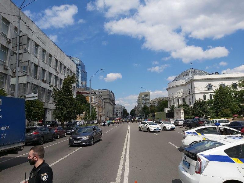 Захват банка в бизнес-центре Леонардо в Киеве — ФОТО и ВИДЕО