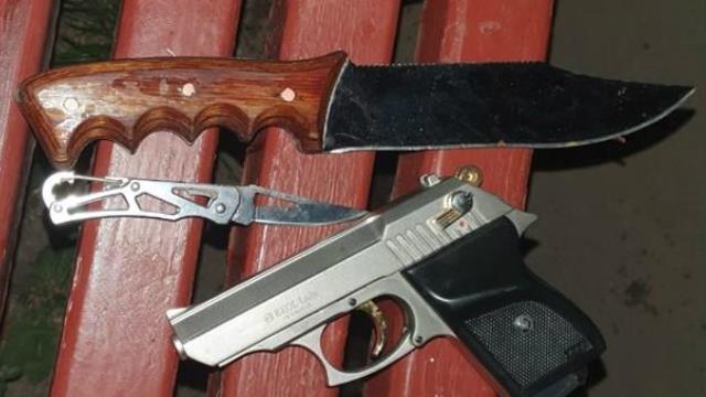 У Харкові чоловік намагався накласти на себе руки і обстріляв патрульних