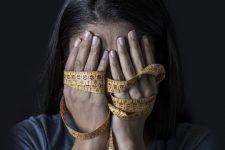 Важила 30 кг у 27 років: на Черкащині від анорексії померла жінка