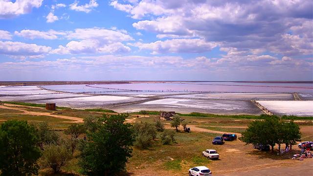 На одному з чудес України - Рожевому озері - встановили онлайн веб-камеру