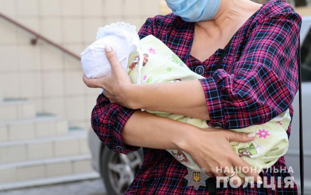 На Донеччині породілля намагалася продати немовля за 400 тис. грн