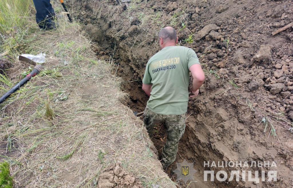 У Слов'янську виявили поховання тіл загиблих під час бойових дій у 2014 році