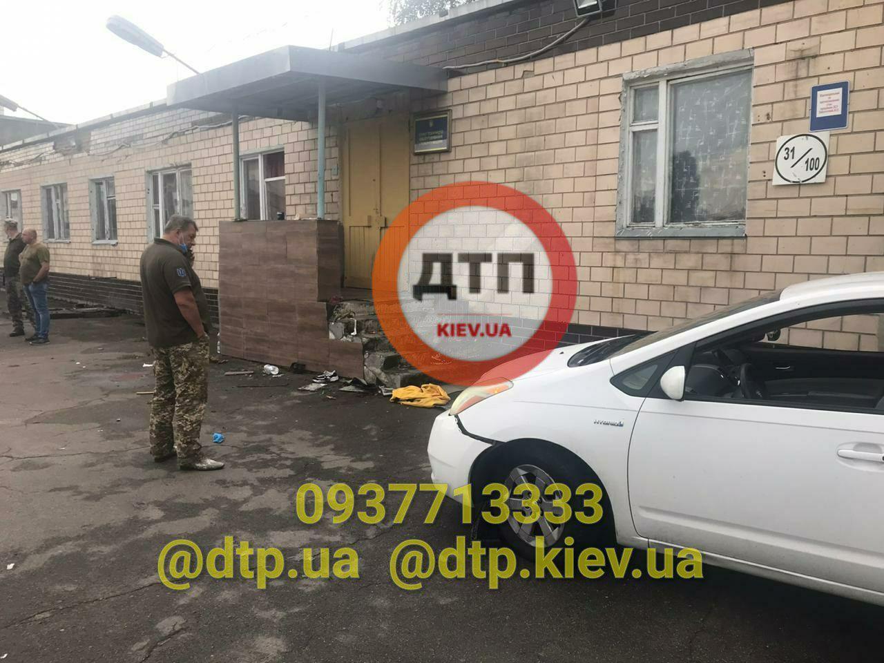 Приїхали за формою: у Києві п'яний майор збив трьох курсанток військового вишу (18+)