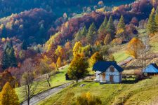 Отдых в Карпатах осенью 2020 года: куда поехать, какие интересные места посетить
