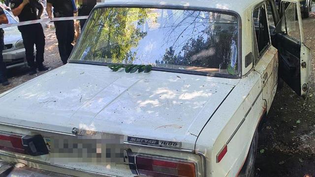 У Дніпрі чоловік помер від підриву гранати у власному авто