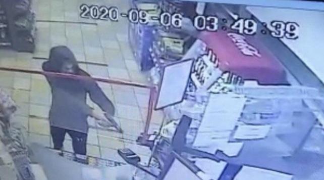 Пограбування в Ужгороді: підліток напав на АЗС
