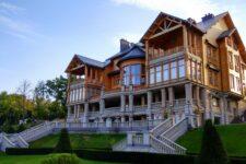 Нічиє Межигір'я: яка доля маєтку та чи не закриють його для відвідувачів