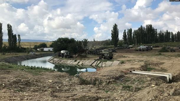 У Криму військові РФ перекрили річку та викачують воду – ФОТО