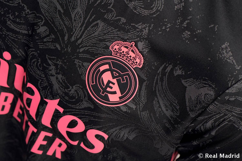 Форма Реал Мадрид на сезон-2020/21 – третій комплект форми – фото