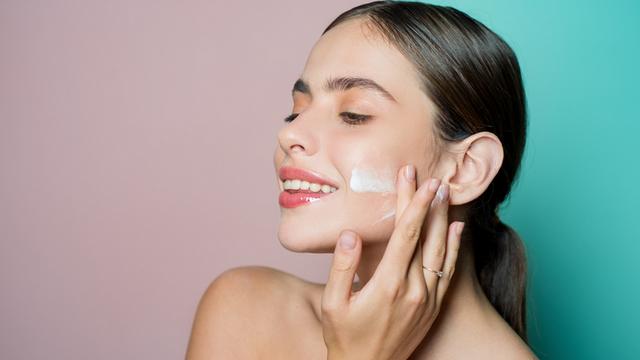 Догляд за шкірою обличчя восени – корисні поради