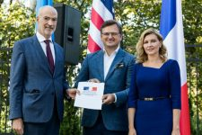 Новий крок до гендерної рівності: Україна стала учасником Партнерства Біарріц