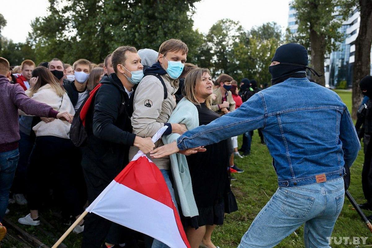 Протесты в Беларуси: в Минске проходит Марш героев, есть первые задержанные