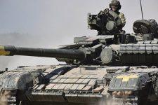 Запеклі бої військових та лазертаг: на Рівненщині відзначили День танкіста