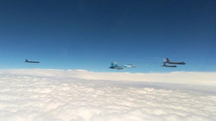 Бомбардувальники В-52Н увійшли у повітряний простір України